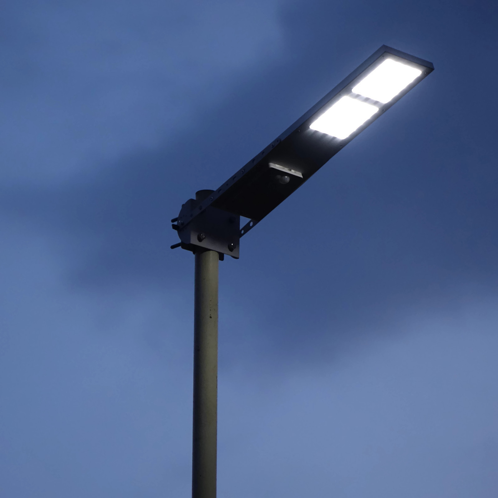 Alpha 2020x solar street light end 9142019 915 am the applications for solar powered outdoor lighting systems are endless these units can be used for security and safety lighting rural area lighting aloadofball Images